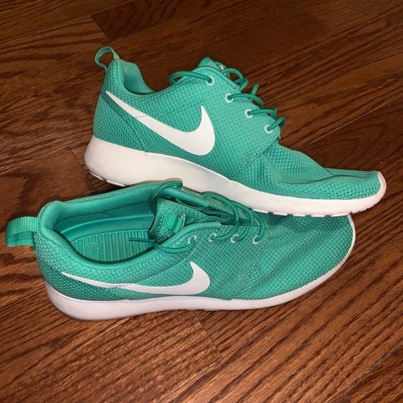 Nike Shoes | Roshe Run Mint Green Size